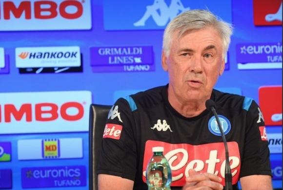 Треньорът на Наполи Карло Анчелоти беше афектиран от поведението на