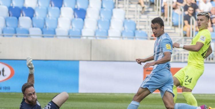В големия сблъсък от 6-ия кръг на словашкото първенство Слован