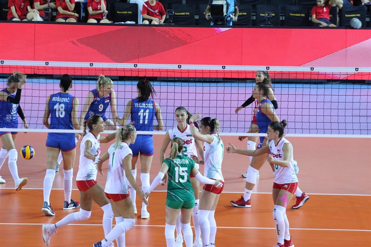 Волейболистките от националния отбор на България ще излязат срещу настоящия