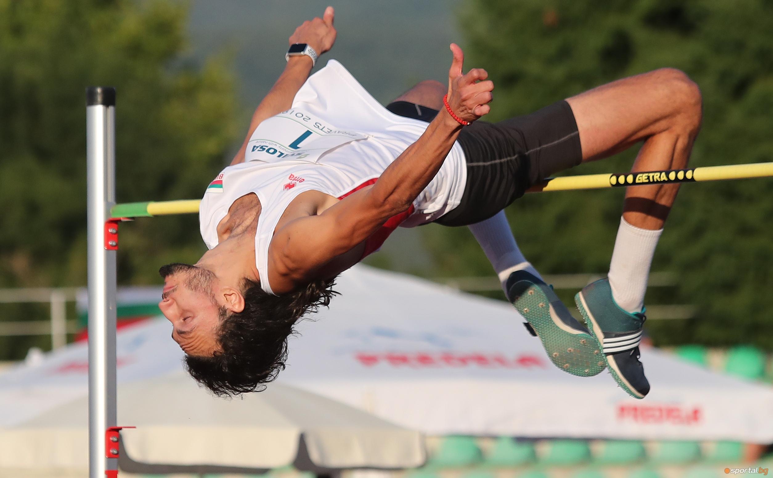 """Първата значка """"Златна България"""" за Спортист №1 на месец юли"""