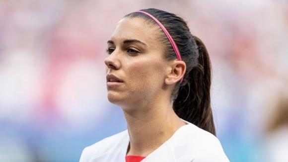 Звездата на американския национален отбор по футбол Алекс Морган даде