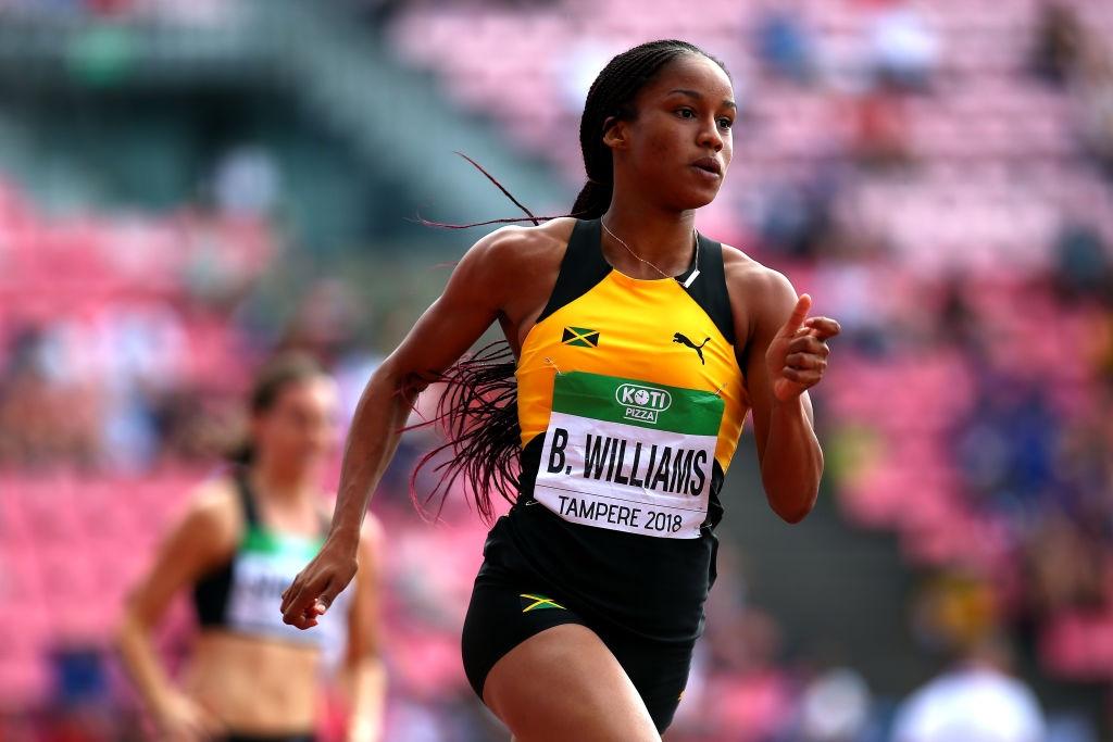 Световната шампионка на 100 и 200 метра за девойки под