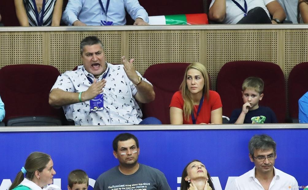 Вицепрезидентът на БФВолейбол Любо Ганев се присъедини към българския отбор