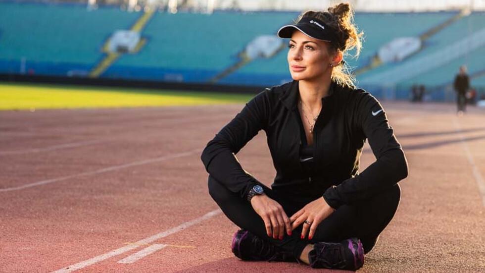 Националната шампионка по сноуборд Александра Жекова застава зад каузата на