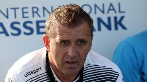 Наставникът на Локомотив (Пловдив) Бруно Акрапович бе радостен след успеха