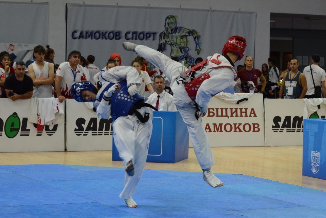 Българският национален отбор по олимпийско таекуондо грабна приза балкански шампион