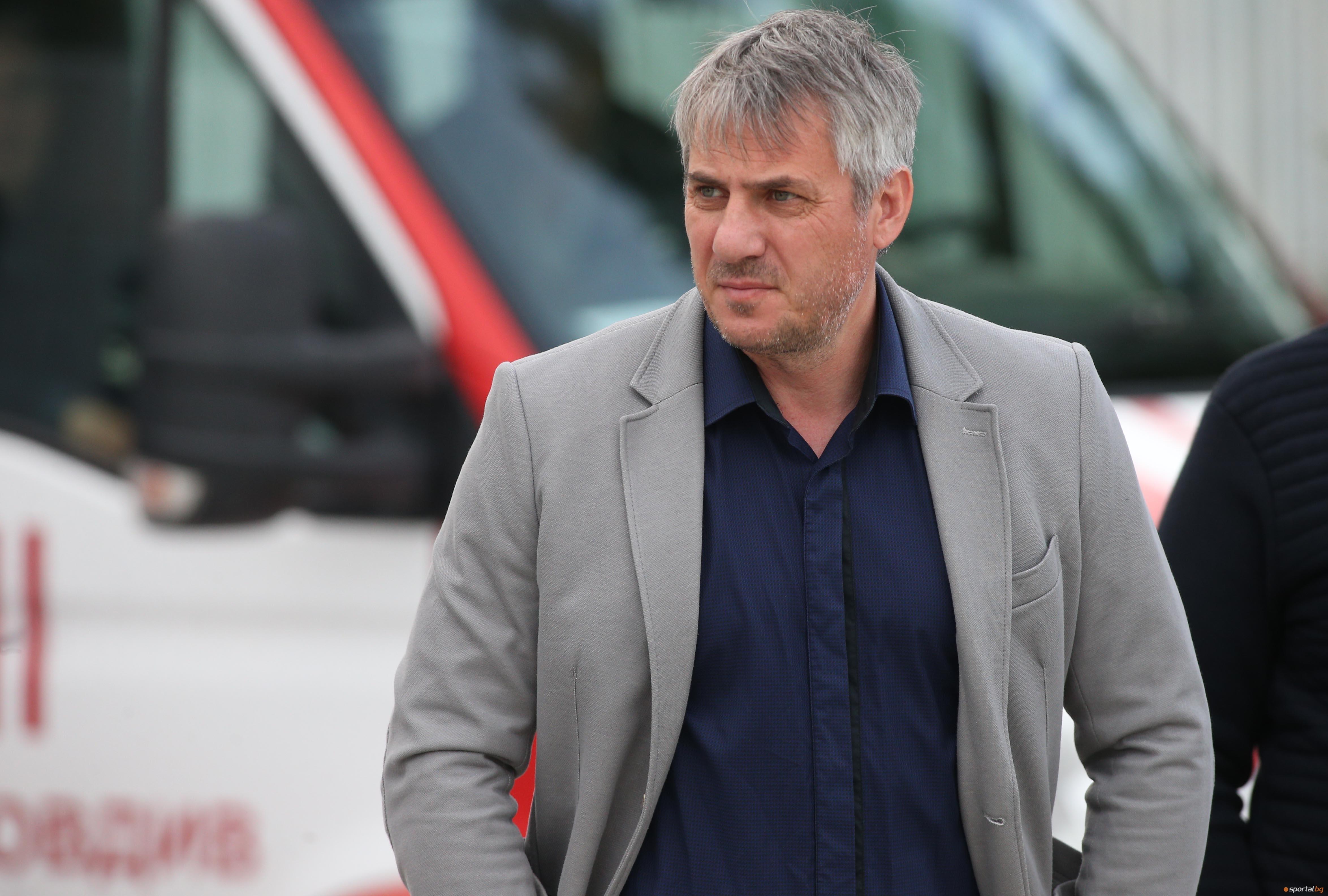 Спортният директор на Ботев (Пловдив) Адалберт Зафиров коментира реакцията на