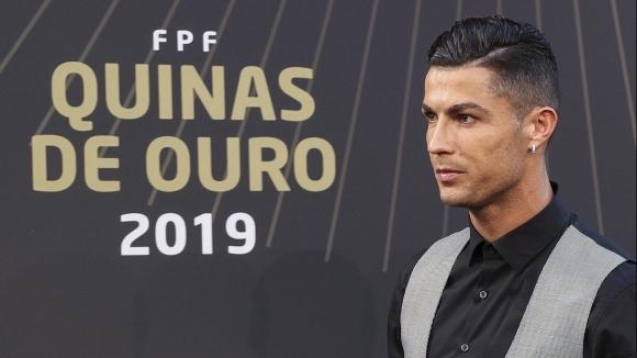 Португалската машина за голове Кристиано Роналдо не скри сълзите си
