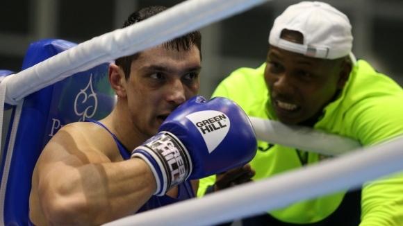 Петър Белберов загуби на старта на Световното първенство по бокс.