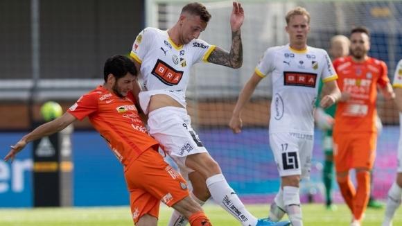 Отборът на Ескилстуна записа само равенство 2:2 в мача с