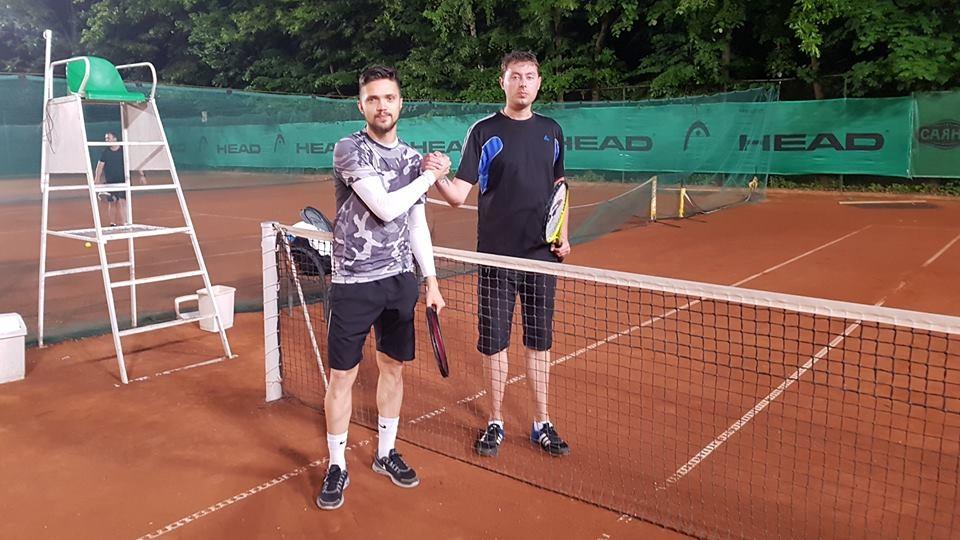 Осмият вечерен турнир на Интерактив тенис ще събере най-запалените аматьори
