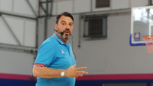 Александър Трифунович, който в кариерата си е водил отбори като