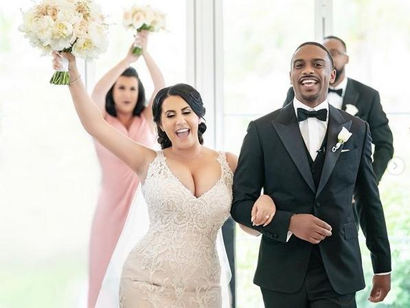Нови снимки от сватбата на красивата българка Радина и сина