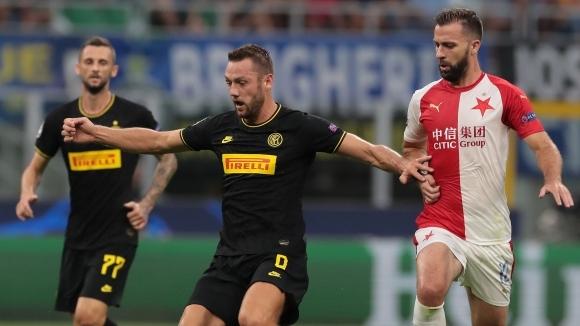 Защитникът на Интер Стефан де Фрай потвърди днешната информация на
