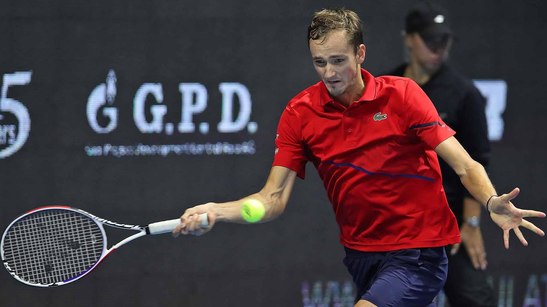 Водачът в схемата Даниил Медведев (Русия) се класира за четвъртфиналите