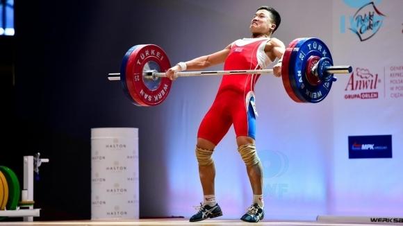 Севернокореецът Пак Джон-джу направи световен рекорд в изтласкването в категория