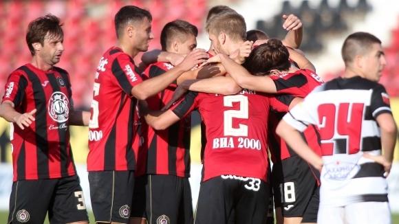 Локомотив (София) спечели с класическото 3:0