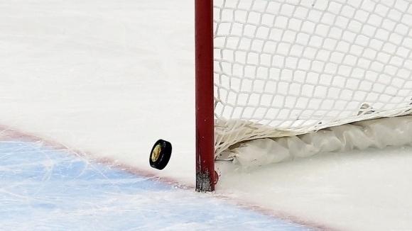 Шампионът на България по хокей на лед Ирбис-Скейт София започна