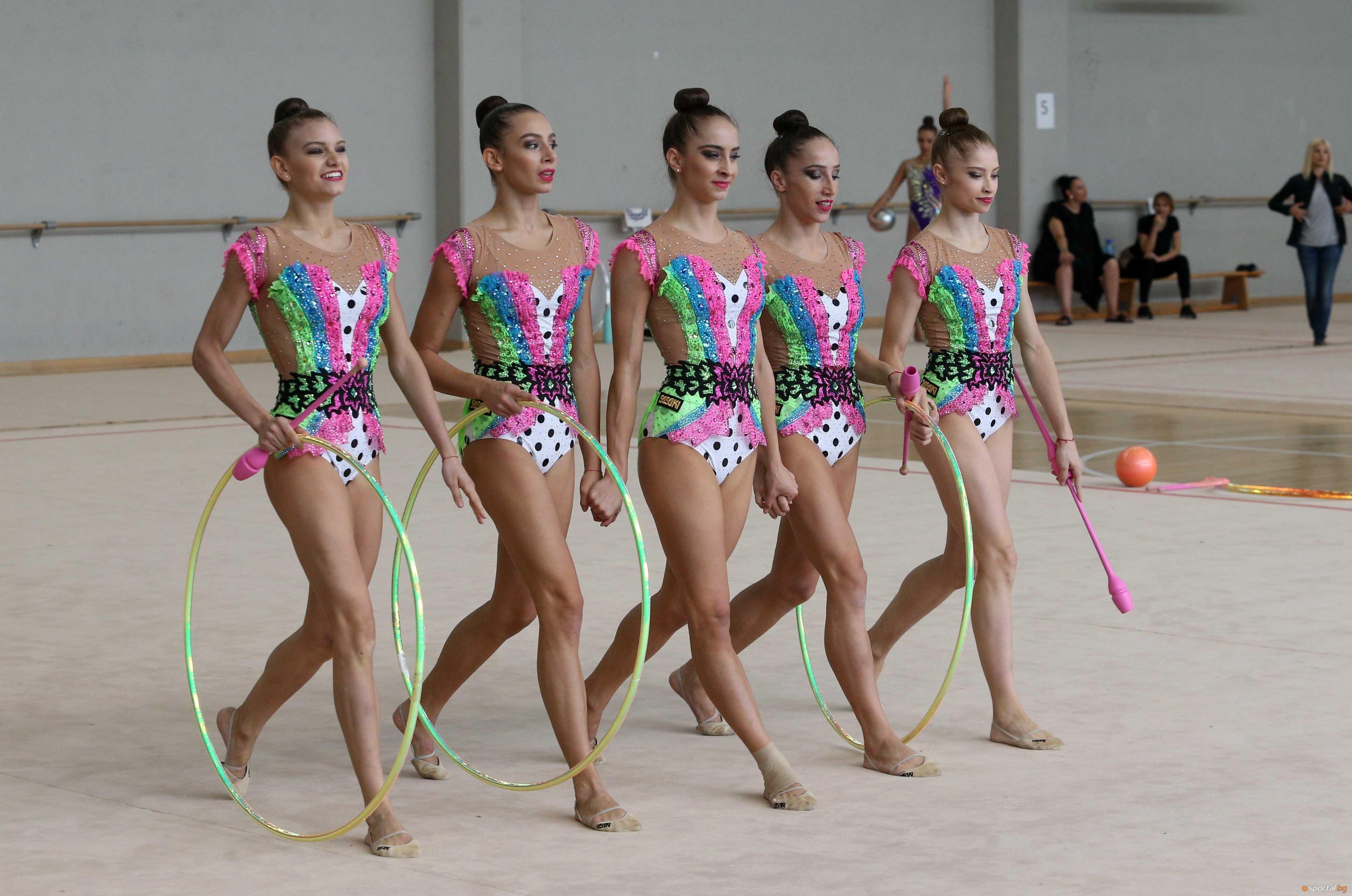 Българският ансамбъл по художествена гимнастика започна силно участието си на
