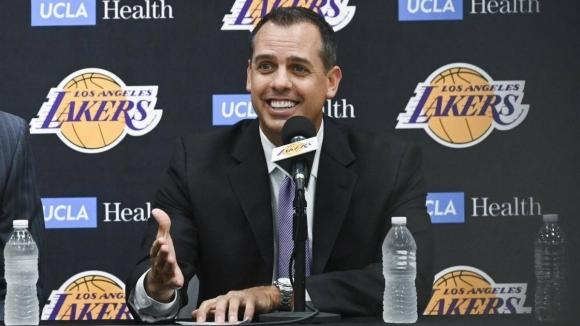 Отборът на Лос Анджелис Лейкърс претърпя сериозни промени в състава