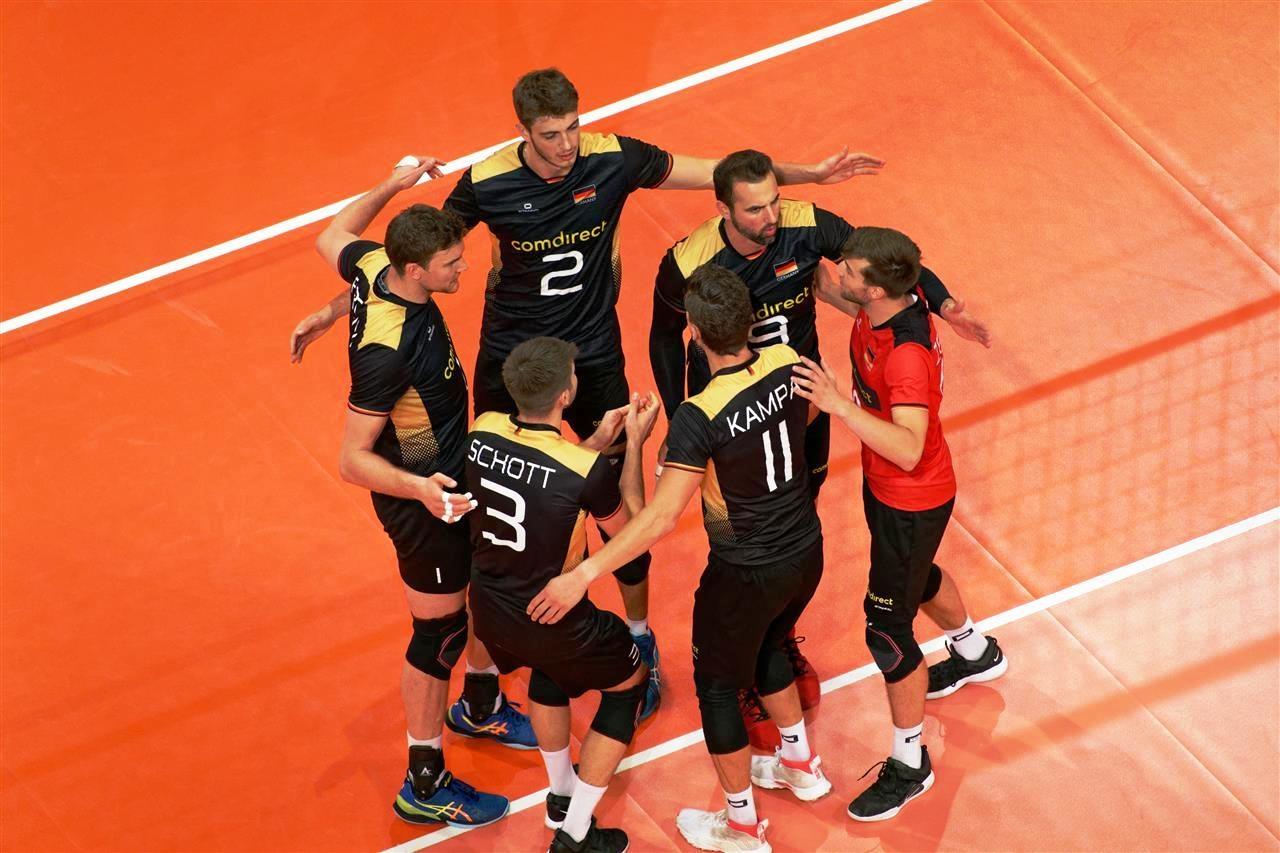 Вицешампионът от 2017 година Германия стана първия 1/4-финалист на Европейското