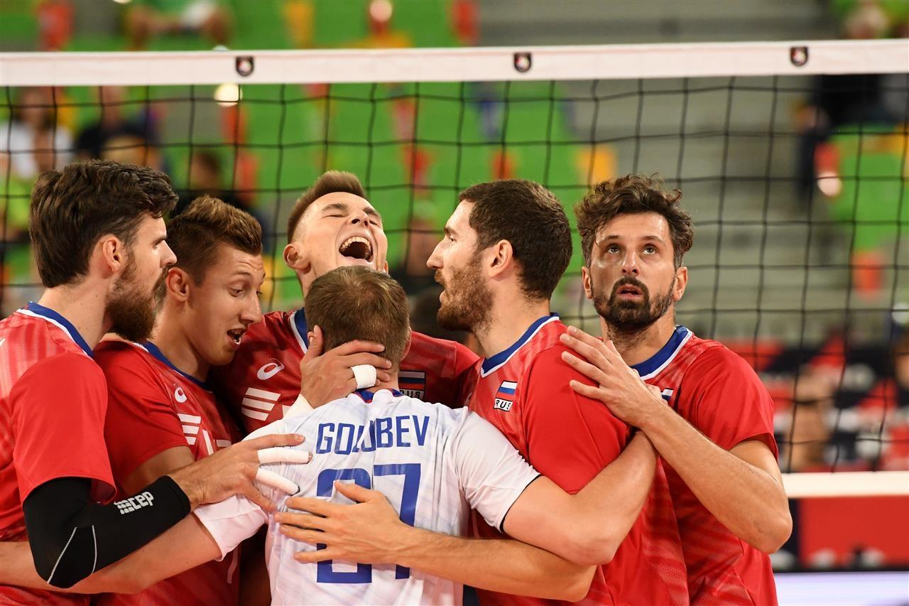 Настоящият шампион Русия се класира без проблеми за 1/4-финалите на