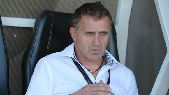 Старши треньорът на Локомотив (Пловдив) Бруно Акрапович сподели първите си