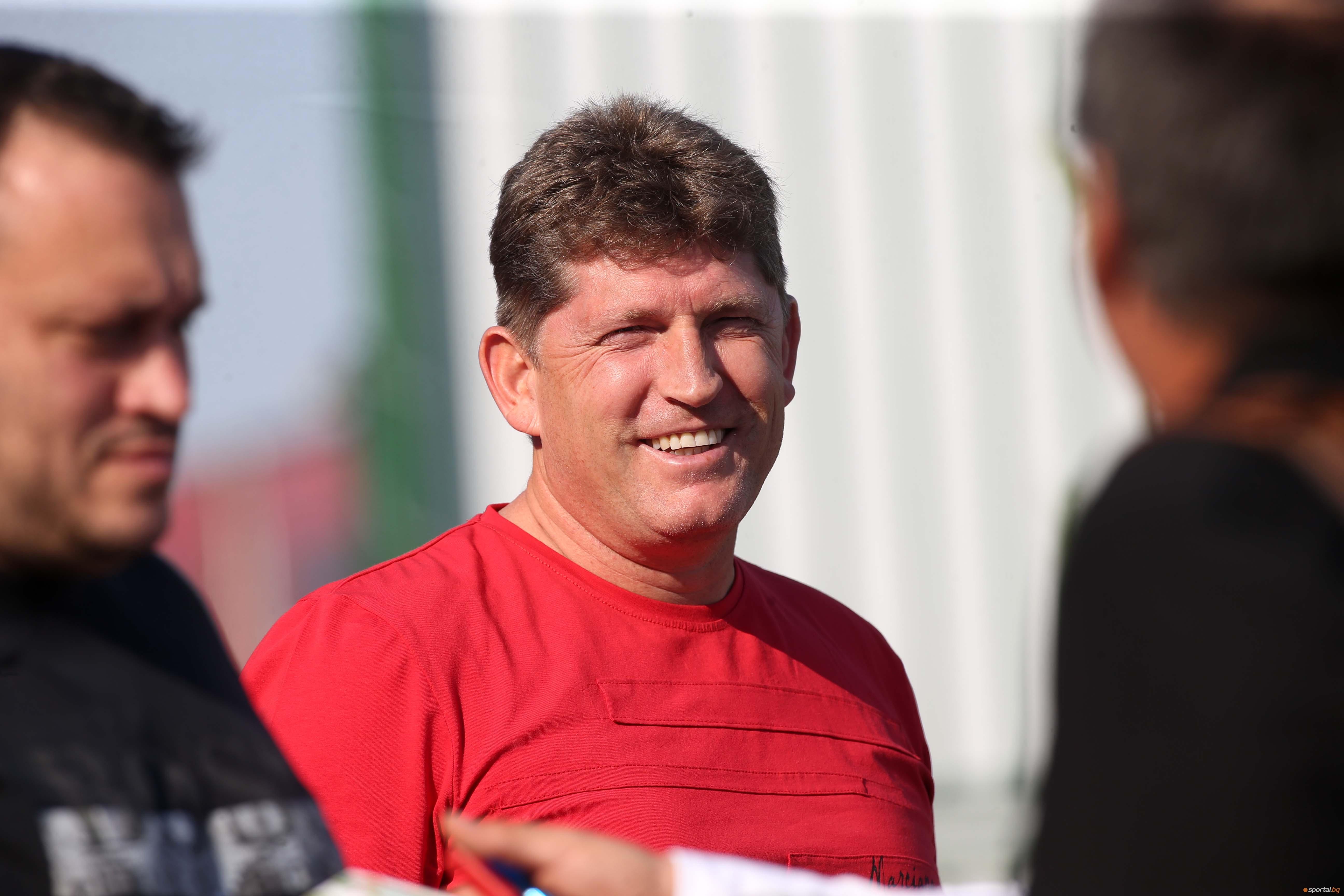 Главният мениджър на ЦСКА-София Стойчо Стоилов обмисля отговор на феновете