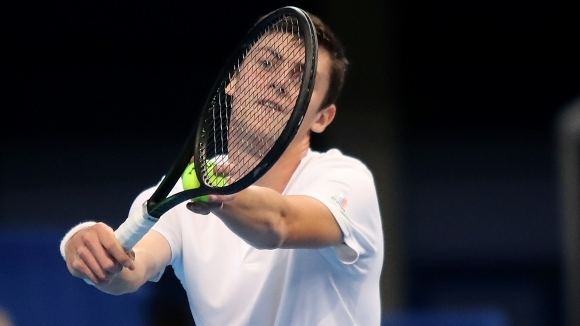 Държавният шампион Александър Лазаров отпадна в първия кръг на турнира