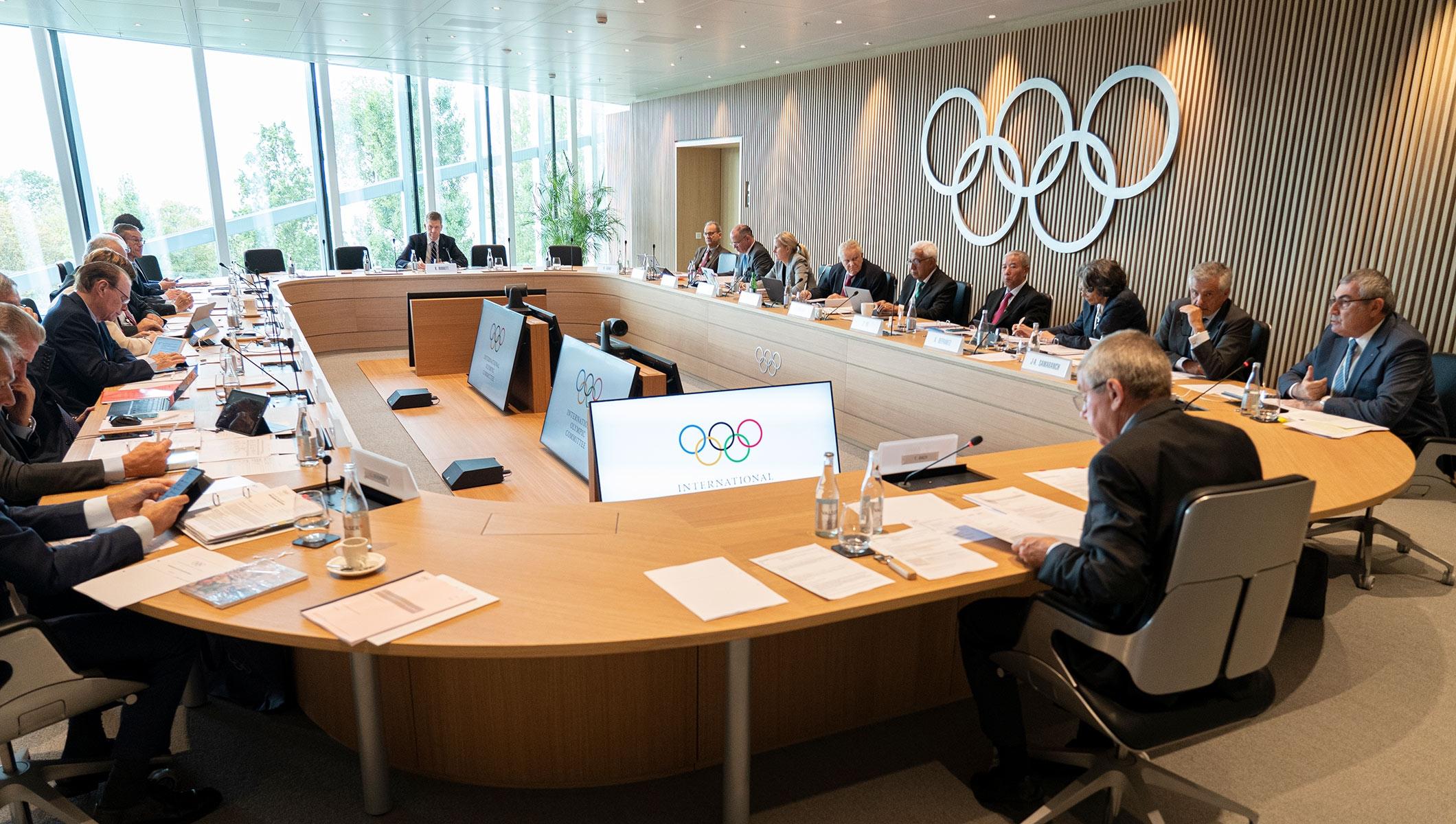 Комисия, съставена от 10 боксьори, ще помага на Международния олимпийски