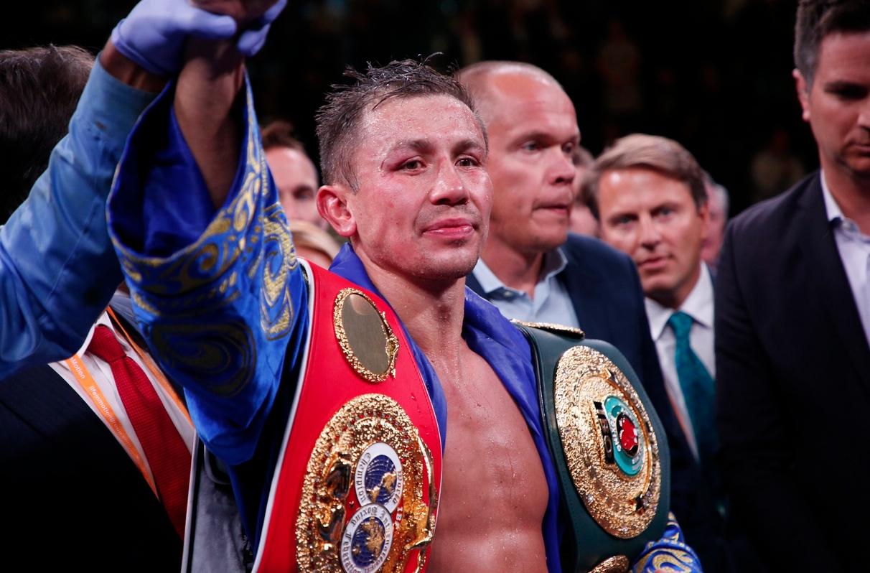 Казахстанският боксьор Геннадий Головкин удържа победа над украинеца Сергей Деревянченко