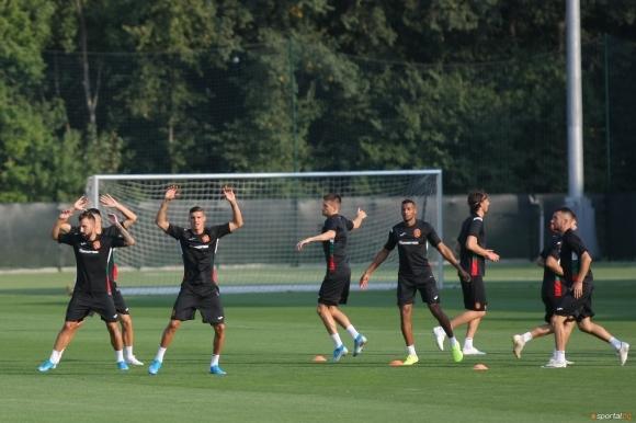 Българският национален отбор вече тренира в пълен състав за предстоящите