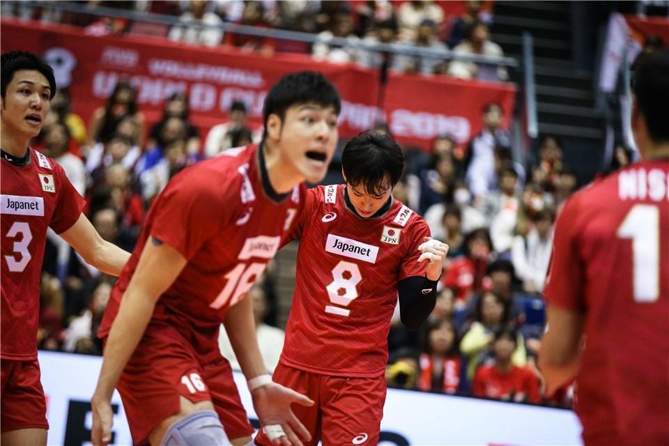 Мъжкият национален отбор по волейбол на Япония постигна четвърта победа