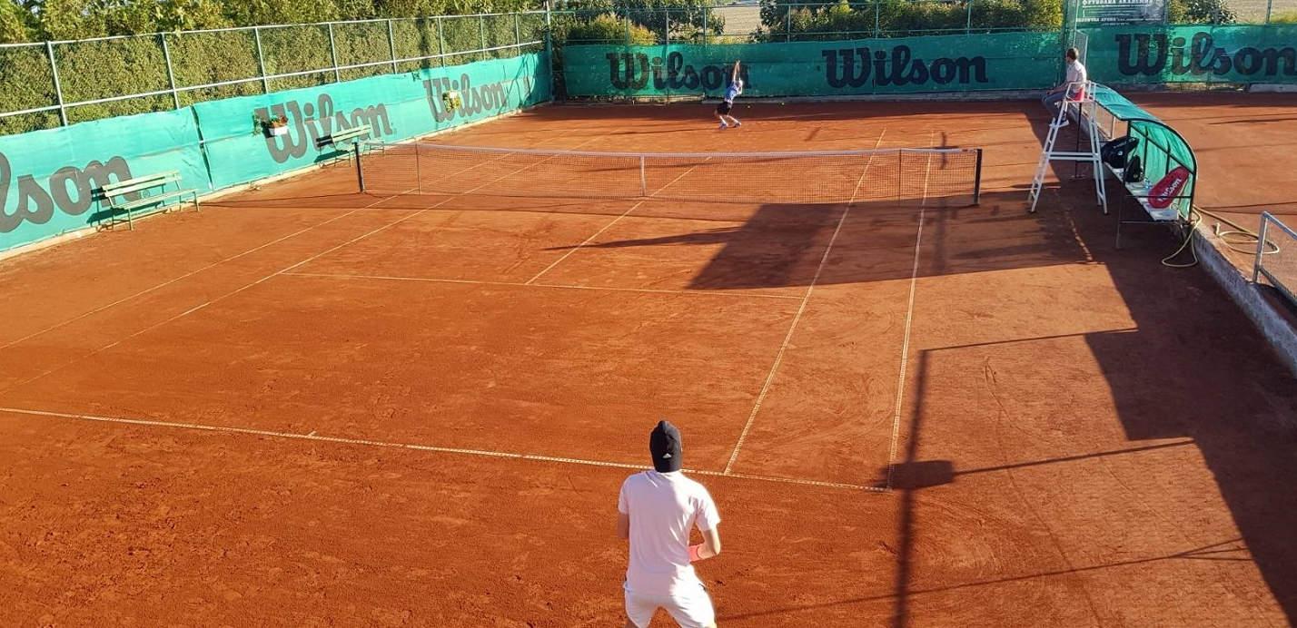 Шестима българи се класираха за втория кръг на турнира за