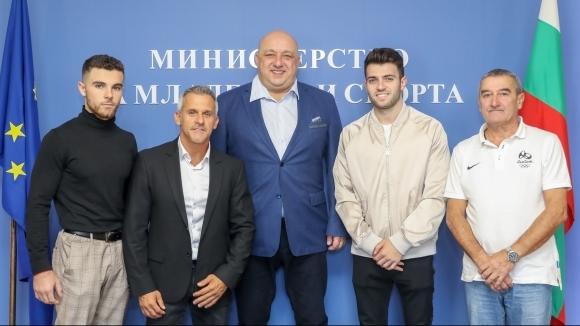 Министърът на младежта и спорта Красен Кралев се срещна със