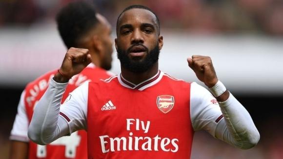 Нападателят на Арсенал Александре Лаказет ще поднови тренировки през следващата