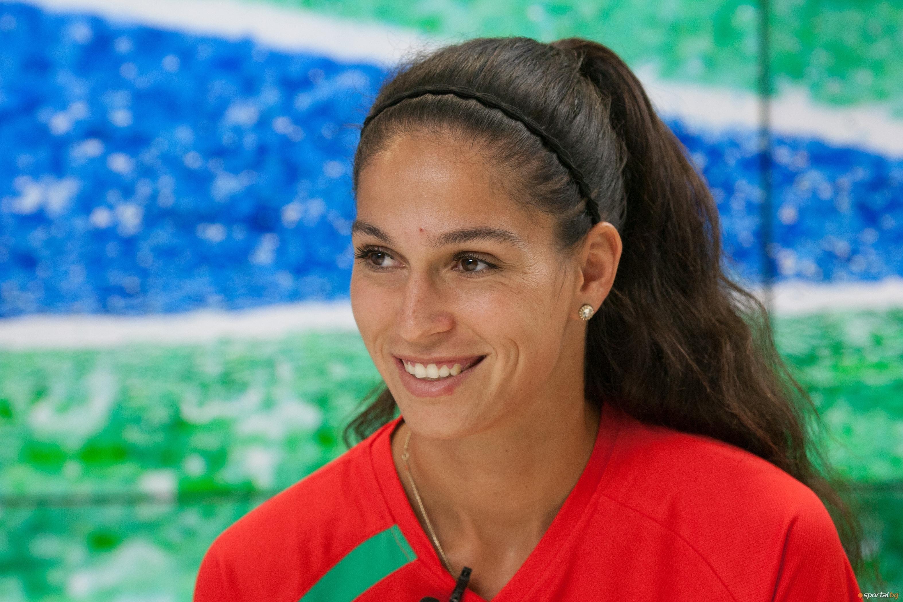 Изабелла Шиникова преодоля и втория кръг на квалификациите на турнира