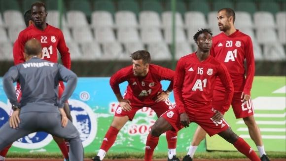 В ЦСКА-София са притеснени за състоянието на Жанио Бикел. Халфът