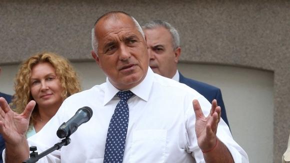 Премиерът на България пБойко Борисов поиска оставката на президента на