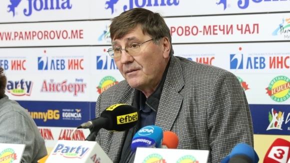 Президентът на Българската федерация по баскетбол Георги Глушков беше в