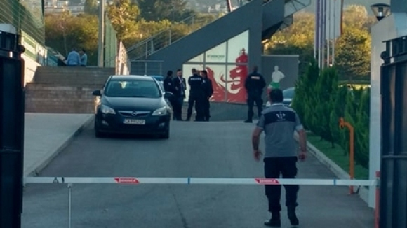 ГДБОП и жандармерията обискират офисите на Българския футболен съюз по