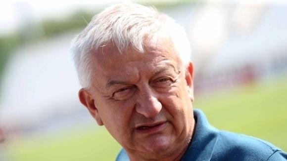 Собственикът на Локомотив (Пд) Христо Крушарски изгледа мача на България