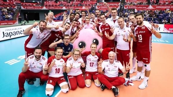Световните шампиони от Полша се окичи със сребърните медали в