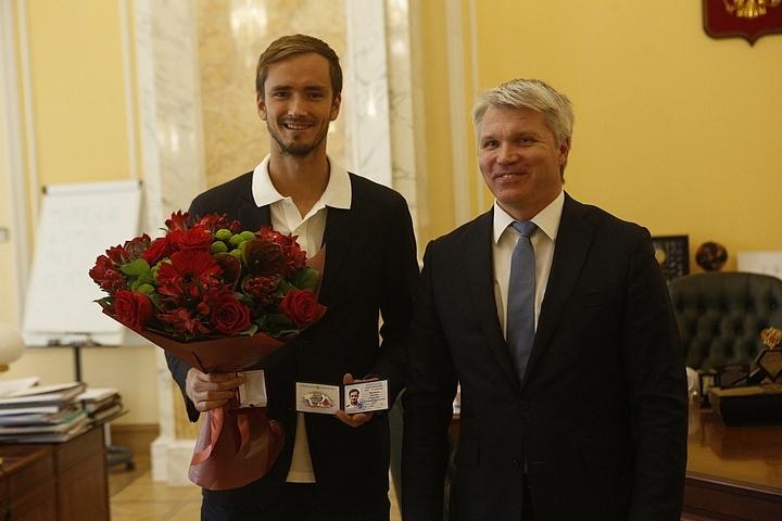 Финалистът на US Open Даниил Медведев бе награден със званието