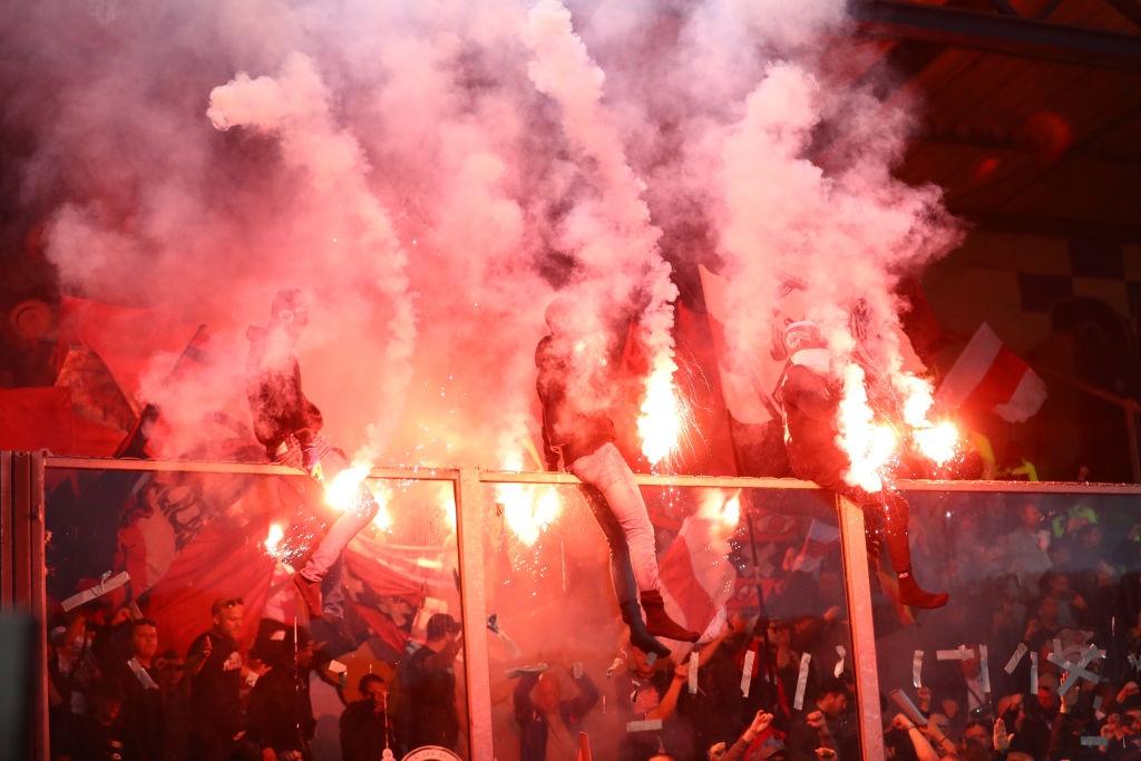 Аякс няма да може да разчита на подкрепа от феновете