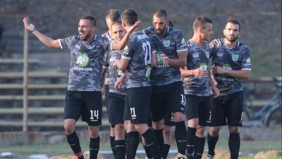 Загорец постигна лесен успех с 3:0 над Черноморец (Бургас) в