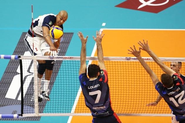 Капитанът на националния отбор на България Виктор Йосифов не успя