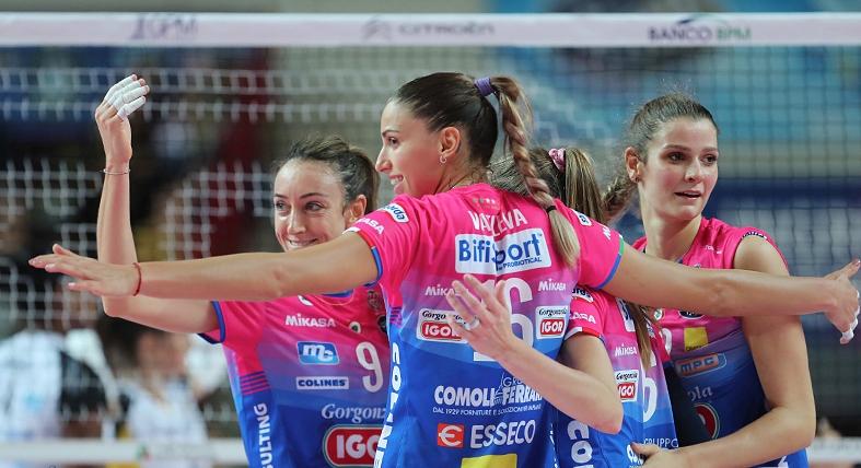 Капитанът на националния отбор на България Елица Василева и нейният