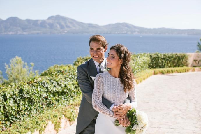 В социалните мрежи се появиха първите снимки от приказната сватба