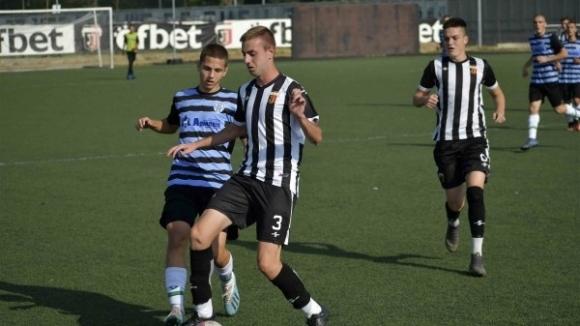 Локомотив (Пловдив) отстрани Черно море и се класира за 1/4-финалите